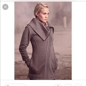 Calia by Carrie Underwood grey sweatshirt jacket
